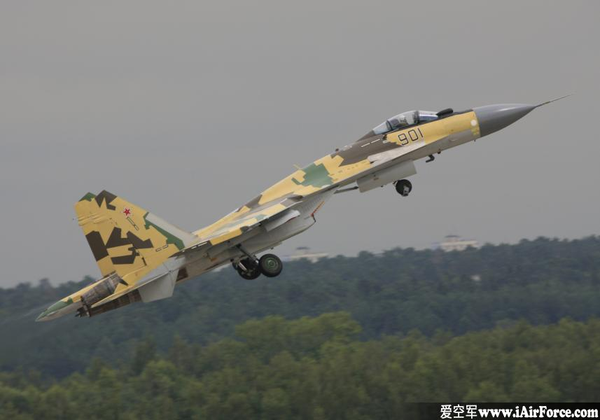 Su-35 起飞爬升收起落架