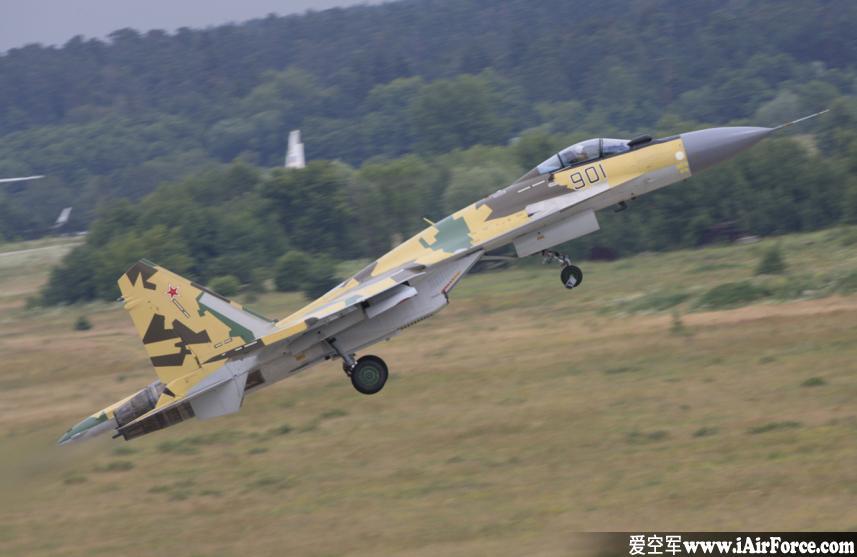 Su-35 起飞爬升