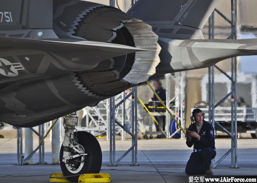 F-35 发动机 裂纹