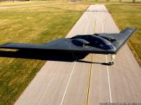 B-2 隐形轰炸机 跑道滑行