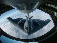 B-2 隐形轰炸机 空中加油
