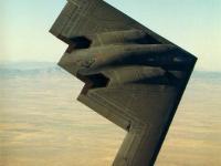 B-2 隐形轰炸机 海面飞行