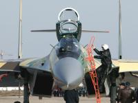 Su-35 地面飞行员上飞机
