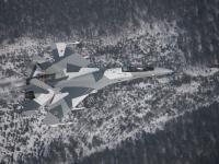 Su-35 俯拍飞跃积雪覆盖的山区