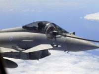 台风 Typhoon 战斗机 空中加油