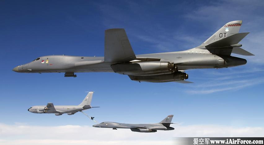 "B-1""枪骑兵""(Lancer) 远程战略轰炸机"