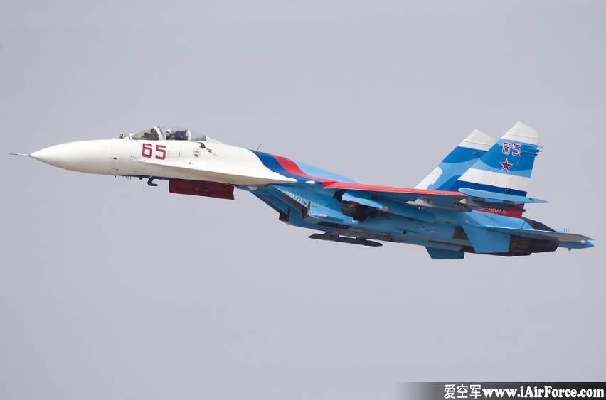 苏-27 侧卫 战斗机 (Su-27)