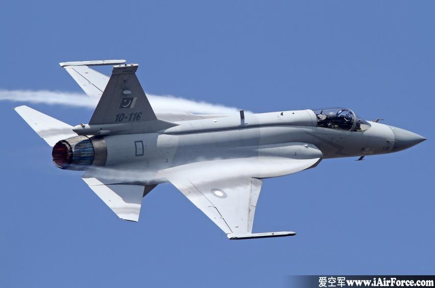 FC-1 枭龙 战斗机 (JF-17 Thunder 雷电 战机)
